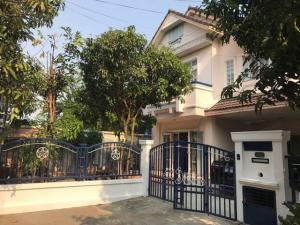 For RentHouseRamkhamhaeng Nida, Seri Thai : HR763 House for rent, area 59 sq m., Parkway Village, Ramkhamhaeng chalet, ready to move in.