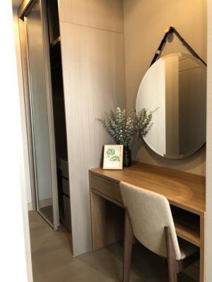 เช่าคอนโดพระราม 9 เพชรบุรีตัดใหม่ : Hot price with fully furnished 🔥