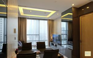 For SaleCondoSathorn, Narathiwat : Luxury Condo The Bangkok Sathorn @BTS Surasak, 59.3 sq.m 1Bed 16th floor, City View, with Private Lift, Fully furnished