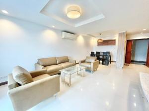เช่าคอนโดสุขุมวิท อโศก ทองหล่อ : RENT (3 Beds 133 sqm) 45,000 THB @Royal Castle Sukhumvit 39 / BTS Prompong