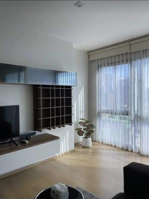 For RentCondoAri,Anusaowaree : Condo for rent: Noble Reflex, Soi Ari Samphan 3, near BTS Ari, only 500 m. Near the entrance to the expressway, room size 40 sq m. Studio room, 15th floor, ready to move in.