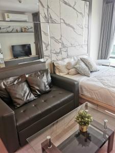 For RentCondoSukhumvit, Asoke, Thonglor : For Rent 租赁式公寓 Rhythm Sukhumvit 36-38 (Studio )24sq.m. 15,000 THB Tel. 065-9899065