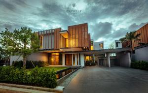 For SaleHousePattaya, Bangsaen, Chonburi : Sale pool villa luxury pattaya