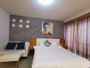 For RentCondoRama9, RCA, Petchaburi : Condo for rent, I House. RCA, Studio room, Building D, ready to move in.