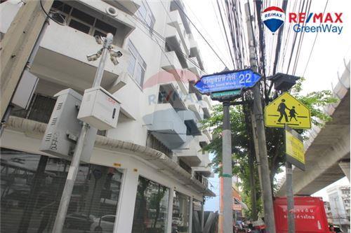 For SaleHousePinklao, Charansanitwong : บ้านเดี่ยวจรัญสนิทวงศ์ 22 หลังมุม ใกล้รถไฟฟ้า
