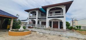 ขายบ้านเอกชัย บางบอน : ขายบ้านเดี่ยว พร้อทที่ดิน ขนาดใหญ่ 403 ตารางวา เอกชัย บางบอน