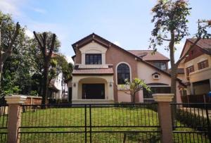 For RentHouseSamrong, Samut Prakan : For Rent 2-storey house for rent at Ladawan Village Srinakarin-Bangna Air 7 machines, fully furnished, fully furnished, living only Can support animals
