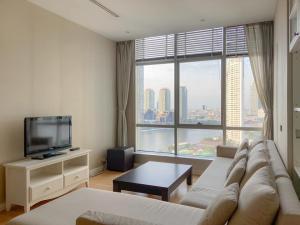 For RentCondoWongwianyai, Charoennakor : For rent Baan Sathorn Chaopraya condominium, 1 bedroom 17 floor, river view.
