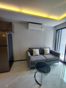 For RentCondoOnnut, Udomsuk : Rent Define by Mayfair Sukhumvit 50 2 bedrooms 55 sq m.