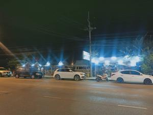 For LongleaseRetailRangsit, Patumtani : Restaurant for sale in prime location, next to Hathairat Road, Lam Luk Ka, Pathum Thani