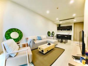 For RentCondoWitthayu,Ploenchit  ,Langsuan : [For Rent] NOBLE Ploenchit : Condo 1 bedroom Size 58.57 sq.m. Floor 3 New room with private lift