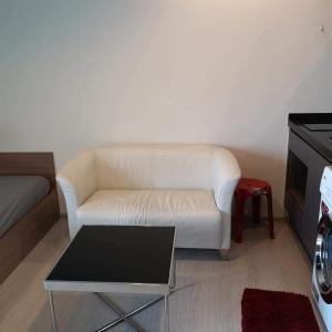 เช่าคอนโดพระราม 9 เพชรบุรีตัดใหม่ : คอนโดให้เช่า RHYTHM Asoke 1 💥สวยครบ ราคาดี💥ใกล้ MRT พระราม9 ระยะเดิน ทำเลศักยภาพใจกลางย่านธุรกิจ Fully furnished เครื่องใช้ไฟฟ้าครบขนาด 22 ตร.ม ชั้น 10 💰ราคาเช่า : 10,000 บาท / เดือน