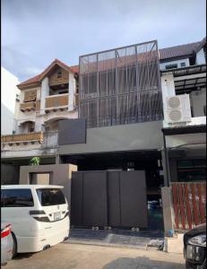 For RentHome OfficeRama9, RCA, Petchaburi : 🏡 55,000.- Homeoffice for rent, Rama 9, Soi 19 🛣 near Thonglor, Ekkamai, only 2 kilometers.