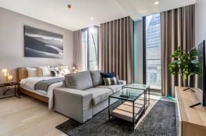 For RentCondoWitthayu,Ploenchit  ,Langsuan : POJ 296 FOR RENT NOBLE PLOENCHiT, new room, beautiful decoration, very inviting, fully furnished.