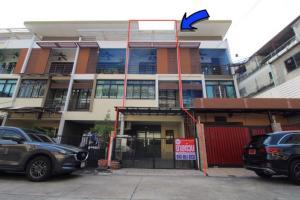 For SaleTownhouseBang kae, Phetkasem : 3-storey townhome for sale, Signature Petchkasem 69, Nong Khaem, 17.6 sq.w., cheap, fully furnished, ready to start the project