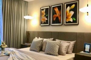 For RentCondoSathorn, Narathiwat : 💥🎉Hot deal, good price, The Hudson Sathorn 7 [The Hudson Sathorn 7] beautiful room, good price, convenient transportation, full furniture. Ready to move in immediately Make an appointment to see the room. Credit cards accepted 💥