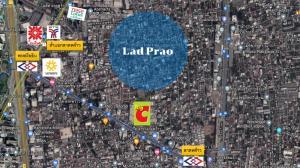 For SaleLandLadprao, Central Ladprao : Land for sale, CBD zone, Lad Phrao Road, near the train, 250,000 baht per square wah.
