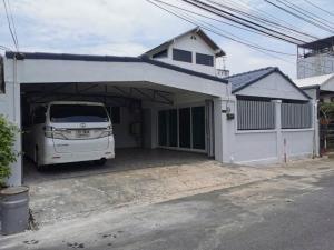 For RentHouseKaset Nawamin,Ladplakao : BH995 single-storey house, 1 bedroom, large, 2 bedrooms, small village Maneeya 3, Bueng Kum district