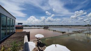 For SaleLandSamut Songkhram : At Samut Songkhram at Naklua