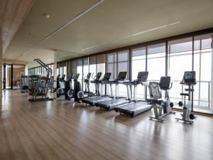 For RentCondoSukhumvit, Asoke, Thonglor : Luxury 2 bedroom condominium just 600 meters from BTS Phrom Phong.