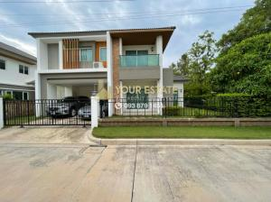For RentHouseRama 2, Bang Khun Thian : The Grand Rama 2 Village, a detached house in the corner with a garden around the house, complete furniture!