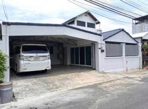 For RentHouseYothinpattana,CDC : 🏦 Single house for rent New house 😍🏠 can be made as a home office 🏦