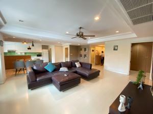 For RentCondoSukhumvit, Asoke, Thonglor : RENT - Royal Castle Sukhumvit 39 (3 Bed 160 sqm) 50,000 THB Negotiable