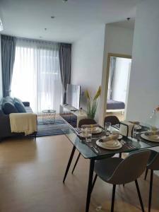 เช่าคอนโดสุขุมวิท อโศก ทองหล่อ : Nice new two-bedroom pet fridendly in Maru Ekkamai 2