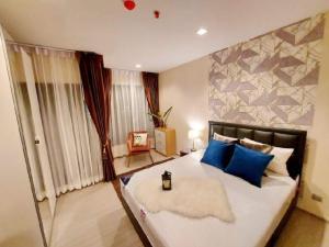 For RentCondoRama9, RCA, Petchaburi : Urgent Rent ++ Beautiful Decor ++ High Floor ++ Life Asoke Rama 9 ++ Available @ 13000 🔥🔥