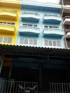 For SaleShophouseBang kae, Phetkasem : Shophouse for sale, commercial building, Bang Khae area, Petchkasem 68, 5, 2nd floor, booths.