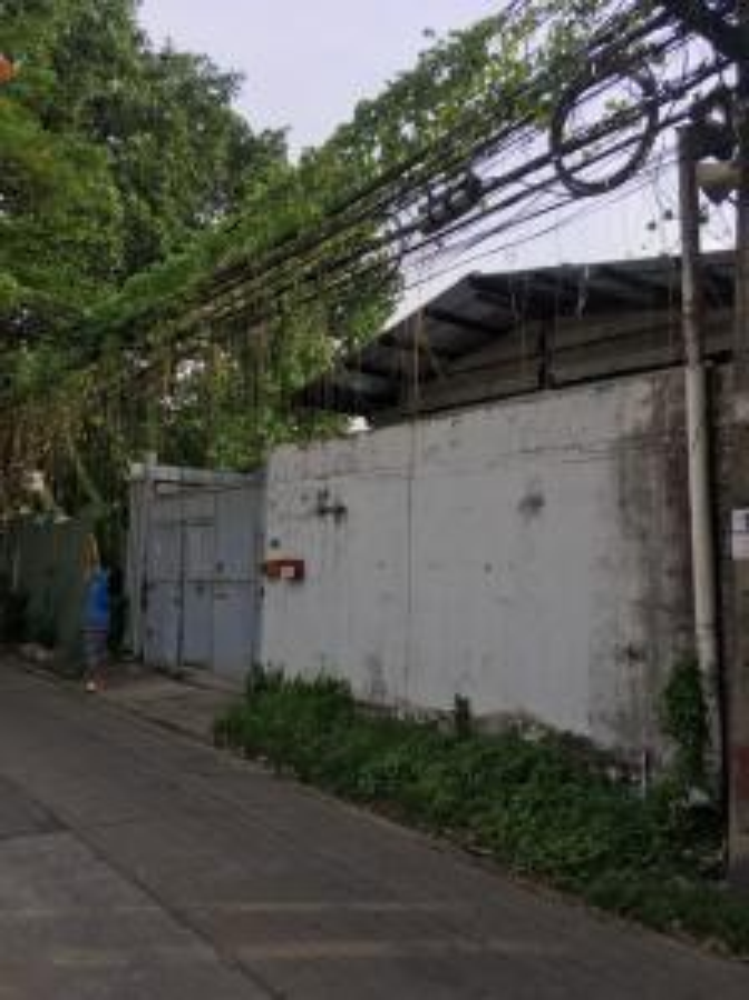 For RentWarehouseLadprao101, The Mall Bang Kapi : Warehouse for rent with land 53 sqw. Ladprao 134 near the mall Bangkapi.