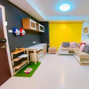 For SaleCondoOnnut, Udomsuk : Condo for sale, the log 3, Sukhumvit 101/1, beautiful decoration, ready to move in, cheap price, easy to loan, comfortable installment, close to Punnawithi, Udomsuk
