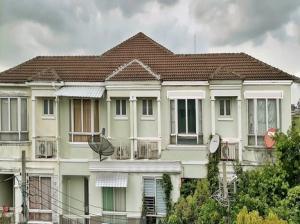 For RentTownhouseRatchadapisek, Huaikwang, Suttisan : For rent, TOWN HOME, 3 floors, home office style, built-in furniture, luxurious after all, Baan Rock Garden, Meng Jai