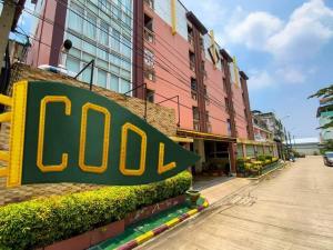 For SaleBusinesses for saleBang kae, Phetkasem : Modern style apartment for sale in Petchkasem near The Mall Bang Khae. Near Thonburi University, reduced price from 50 million to only 40 million baht.