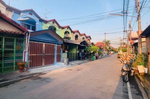 For SaleTownhouseBangbuathong, Sainoi : Townhouse for sale in Nonthaburi near MRT 1.1 km. near Central West Gate 2.6 km.