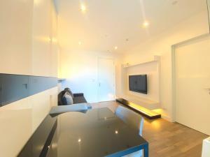 For SaleCondoOnnut, Udomsuk : Condo TheRoom Sukhumvit 62, size 45 square meters, 17th floor