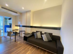 For SaleCondoOnnut, Udomsuk : Condo TheRoom Sukhumvit 62, size 45 square meters, 15th floor