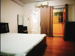 For RentCondoRatchadapisek, Huaikwang, Suttisan : Condo for rent Supalai City Home Ratchada 10 near mrt cultural center