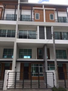 For RentTownhouseChengwatana, Muangthong : ** Townhome for rent, 31/2 floors, The Sereno, good location ** Price 28,000 baht