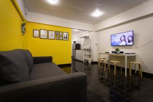 For RentTownhouseWongwianyai, Charoennakor : Pet room for rent, 2 bedrooms, 1 bathroom, 50 sq.m., near BTS Wongwian Yai, easy walk 100 meters