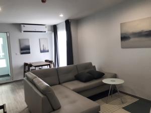 เช่าคอนโดอ่อนนุช อุดมสุข : Spaces room near Bangchak BTS, 56 sm2 one bedroom, separate kitchen, big living room. Fully furnished with free WiFi