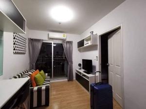 For RentCondoSamrong, Samut Prakan : For rent The Parkland Lite, beautiful room, pool view.
