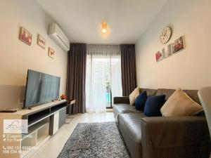 For RentCondoPhuket, Patong : Phuket Condo for Rent : Scape 3 (ZCAPE3) Behind Central Floresta - 1 Bedroom Pool View