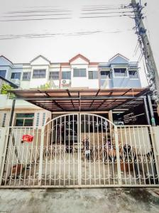 For SaleTownhouseLadprao 48, Chokchai 4, Ladprao 71 : 🔥💥 Discount 1 million baht 💥🔥 Sell / rent townhome 3 floors, Ladprao 71 Soi Nak Niwat 7, near BTS, size 31 sq.m. ✅