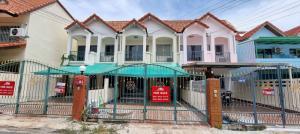 ขายทาวน์เฮ้าส์/ทาวน์โฮมพัทยา บางแสน ชลบุรี : ขายทาวน์เฮาว์ 2 ชั้น 27 ตรว ซอยอรุโณทัย3 พร้อมเฟอร์นิเจอร์ทั้งหมด