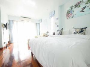 For RentTownhouseSapankwai,Jatujak : Sailom Village, Home Office, 32 sq m, usable area 300 sq m, Inthamara Soi 8, Phayathai AN160