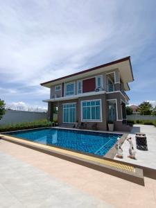 ขายบ้านเชียงใหม่ : บ้านใหม่ พร้อมสระว่ายน้ำ และตกแต่งเฟอร์นิเจอร์ SB ทั้งหลัง
