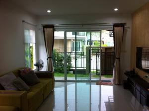 For SaleHousePattanakan, Srinakarin : House for sale in Passorn Village, Pagege Pattanakarn 38.