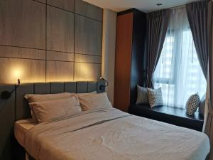 For RentCondoWitthayu,Ploenchit  ,Langsuan : Life One Wireless for rent, beautiful decoration, garden view, fully furnished, ready to move in
