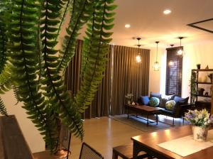 For SaleCondoKorat KhaoYai Pak Chong : Urgent sale, The Valley Khaoyai condo, 2 bedrooms, 2 bathrooms, with real wood furniture, beautiful, modern
